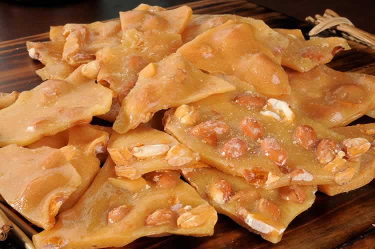 Peanut Brittle (Erdnusskonfekt) - USA kulinarisch