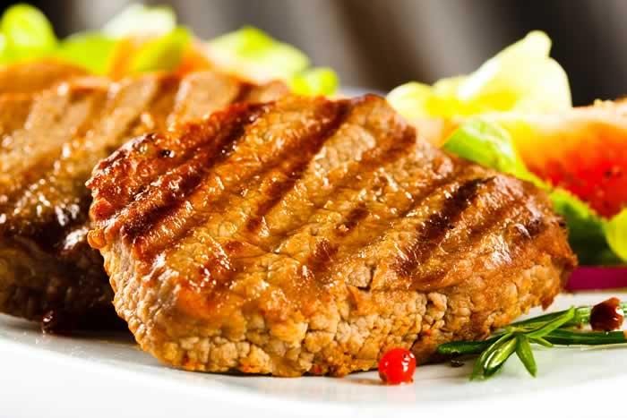 Chicken Fried Steak with Milk Gravy (Steak in Cremesauce)