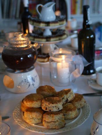 Raisin Scones beim High tea