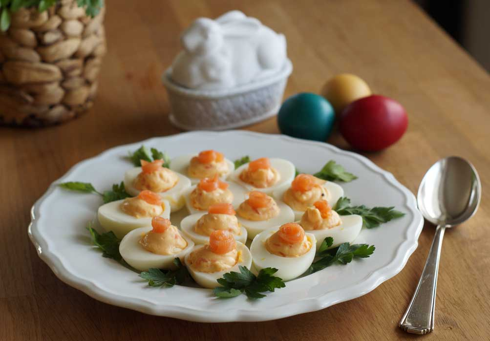 deviled eggs with salmon gef llte eier usa kulinarisch. Black Bedroom Furniture Sets. Home Design Ideas
