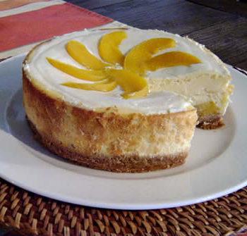 Rezept für Peach Amaretto Cheesecake - Pfirsichkäsekuchen