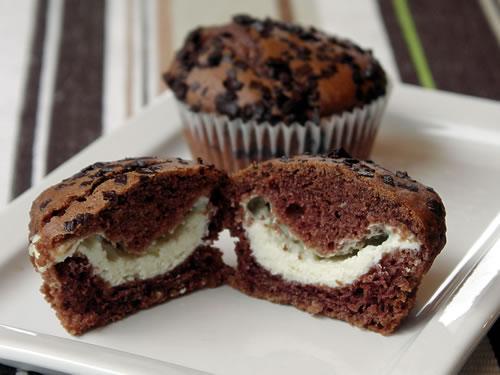 Rezept für Black and White Muffins - Frischkäsemuffins