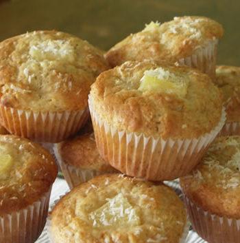 Rezept für Coconut Pineapple Muffins - Kokosmuffins mit Ananas