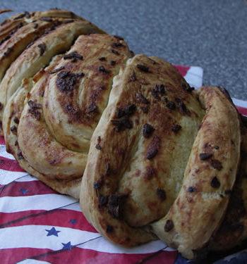 Rezept für Onion Bread - gedrehtes Zwiebelbrot
