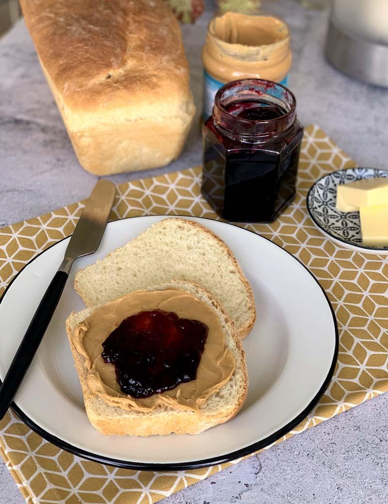 rezept für peanut Butter Jelly Sandwich aus den USA