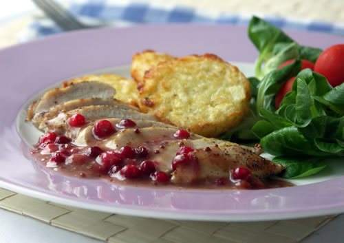 Chicken with Cranberry Mustard Sauce (Huhn mit Cranberry-Senf-Sauce)