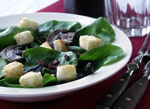 Spinach Salad (Spinatsalat)