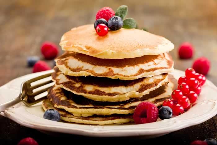 buttermilk pancakes buttermilch pfannkuchen usa kulinarisch. Black Bedroom Furniture Sets. Home Design Ideas