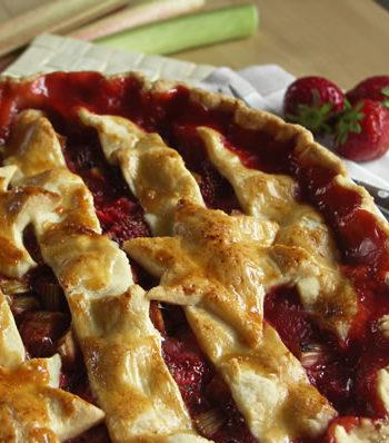 USA-Rezept für Rhubarb Strawberry Pie - Erdbeerkuchen