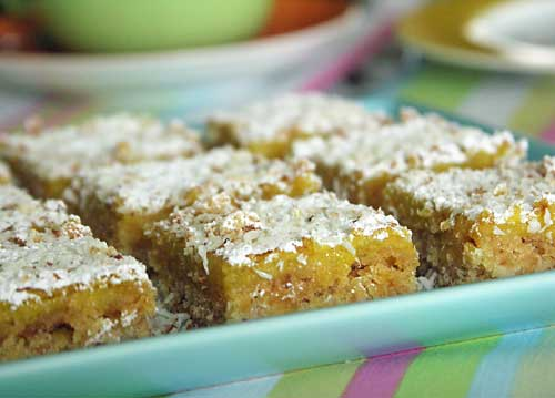 Lemon Coconut Bars (Zitronenschnitten)