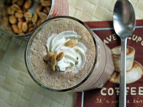 Peanut Chocolate Milkshake - Erdnuss-Schoko-Shake