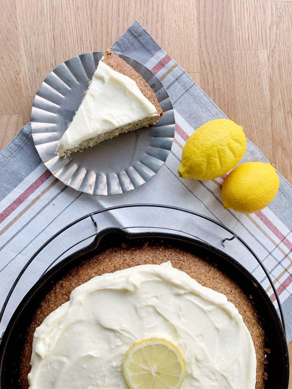 Lemon Poppy Seed Cake aus der Pfanne