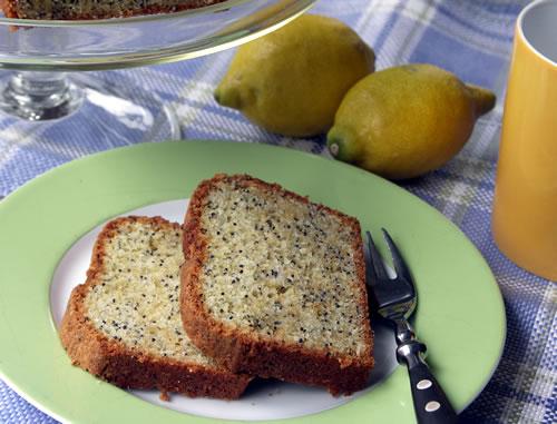 Lemon Poppy Seed cake aus der Kastenform