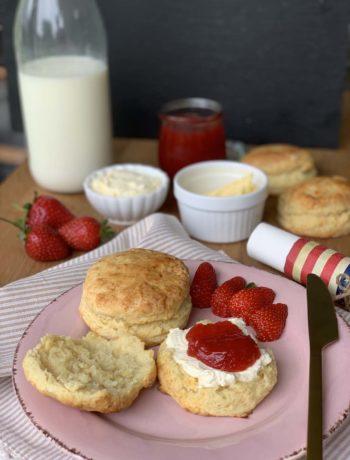 USA-Rezept für Buttermilk Biscuits - kleine Buttermilchbrötchen