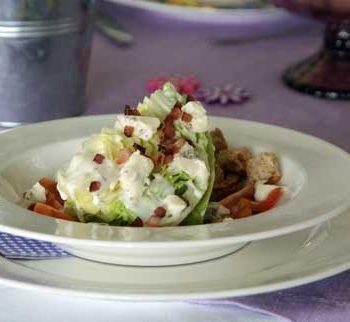 USA-Rezept für Eissalat-Spalten mit Dressing