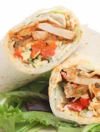 Huhn und Gemüse im Tortilla Wrap