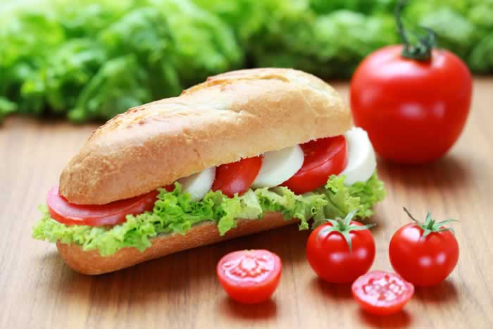 Italian Sandwich / Sandwich mit Tomate und Mozzarella