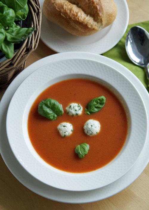 Tomato Soup with herbed dumplings (Tomatensuppe mit Kräuterklößchen)