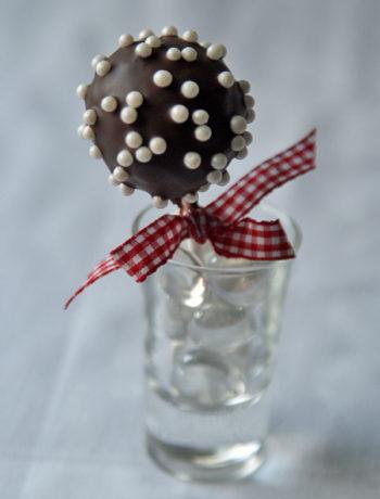 Chocolate Cake Pops / Schokokugeln aus Kuchenteig