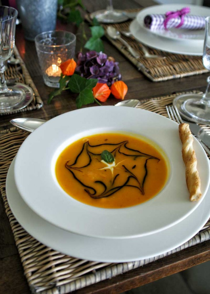 Pumpkin-Ginger-Soup (Kürbis-Ingwer-Suppe)