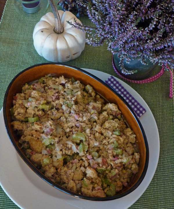 Southern Corn, Leek and Nut Stuffing for Turkey (Truthahnfüllung mit Maisbrot)