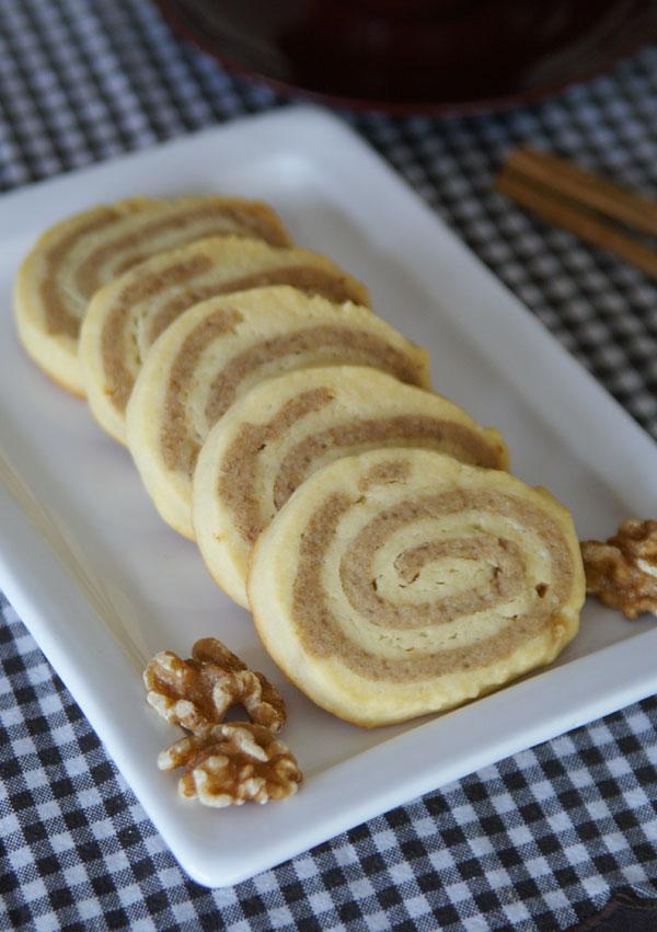 Cinnamon Roll Cookies (Zimtschnecken-Kekse)