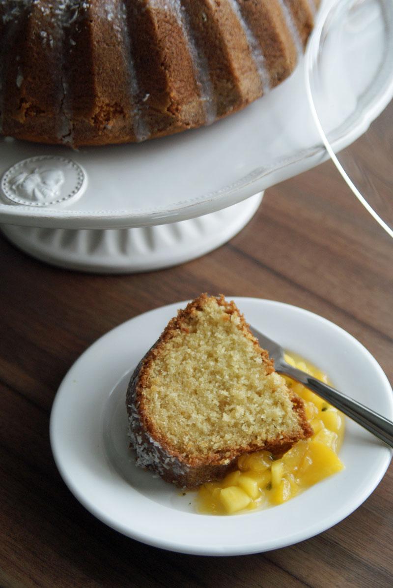Coconut Pound Cake (Kokosnuss-Rührkuchen)