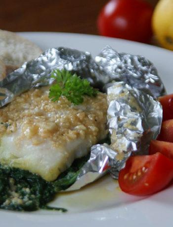 Fisch mit Nusskruste in der Folie