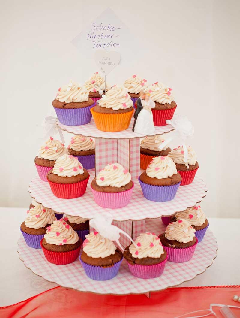 Statt Hochzeitstorte Backen Sie Cupcakes