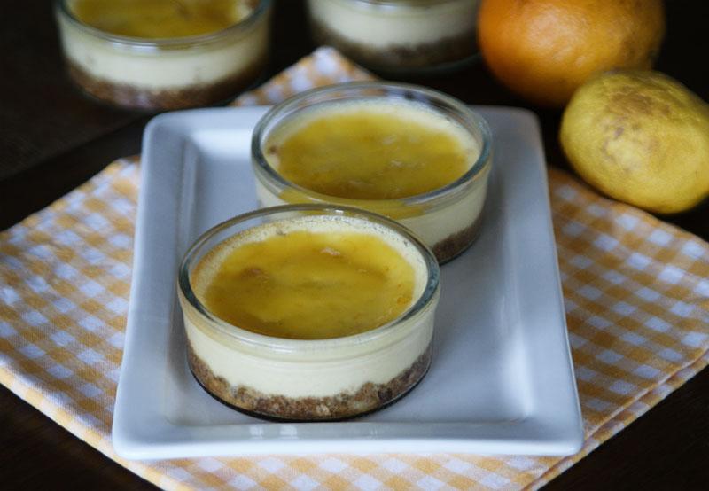 Kleine Zitronen-Käsekuchen im Glas
