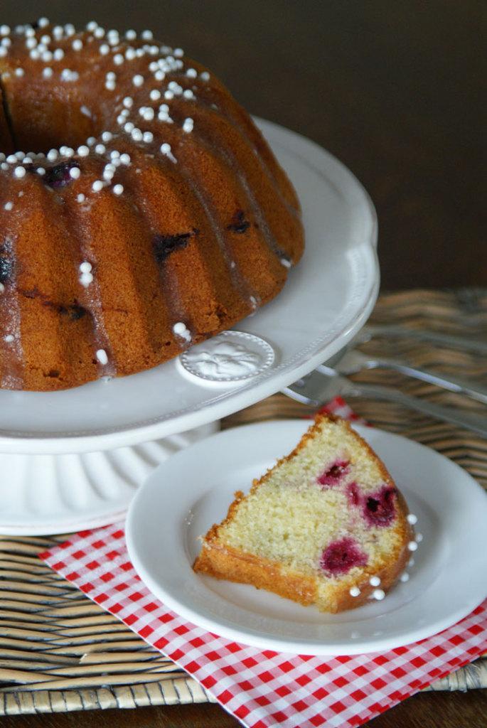 Almond-Cherry-Cake (Mandel-Kirsch-Kuchen)