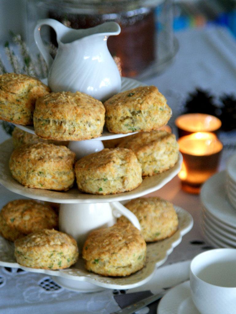 Walnut Cheese Scones (Scones mit Nüssen und Käse)