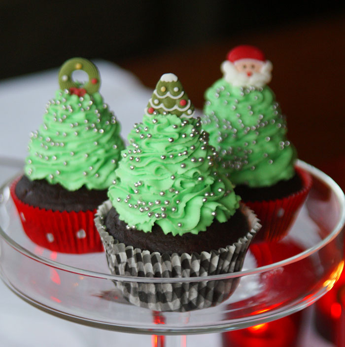 christmas tree cupcakes weihnachtsbaum cupcakes usa. Black Bedroom Furniture Sets. Home Design Ideas