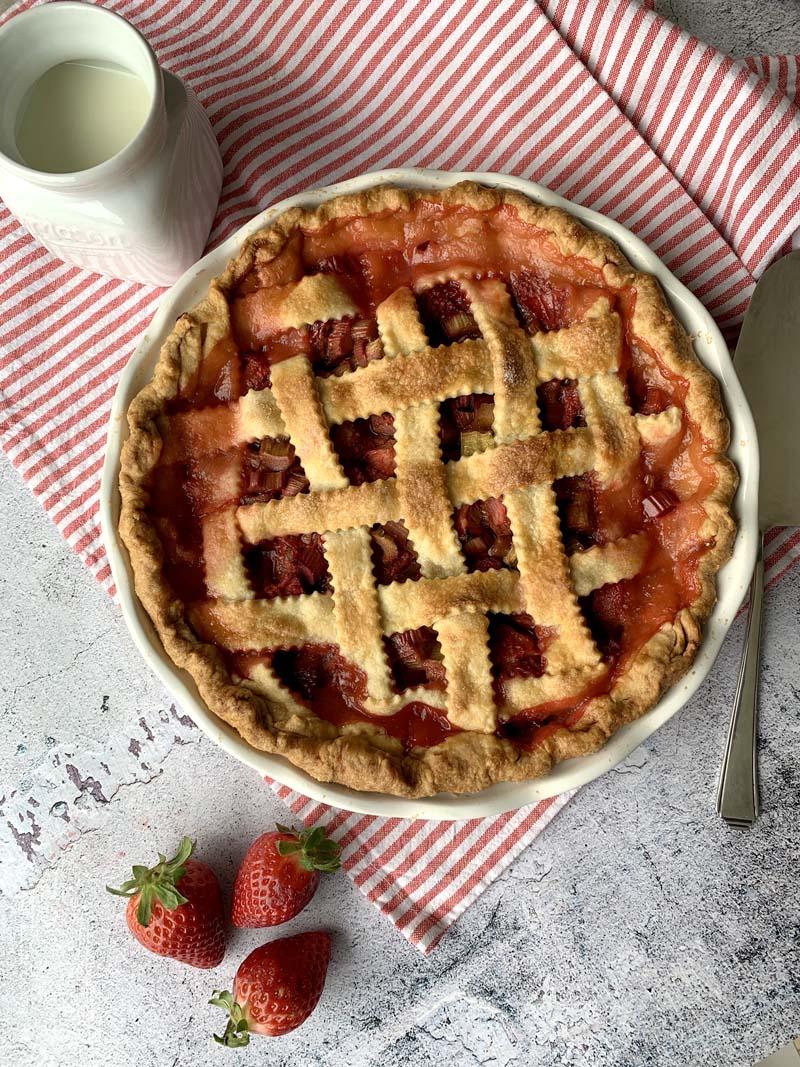 Rezept für amerikanischen Rhabarber-Erdbeer-Pie
