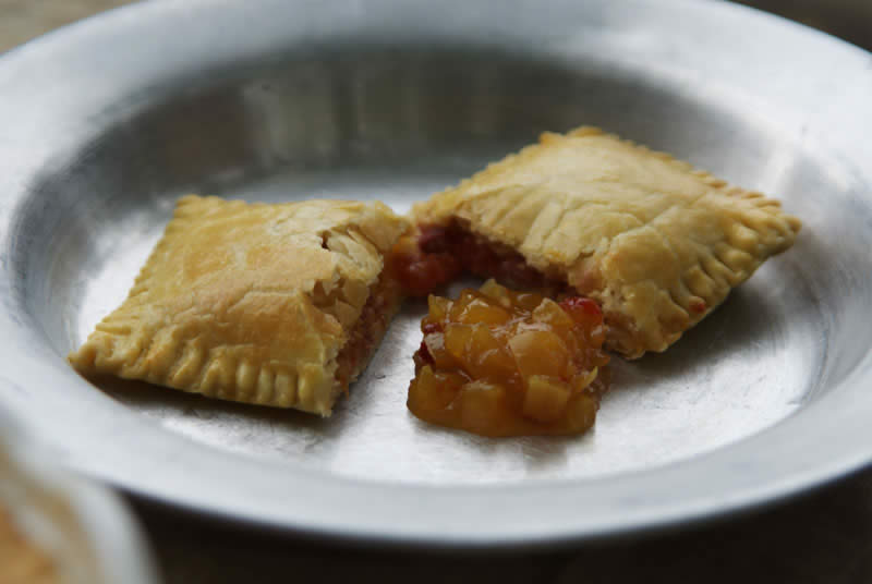 Hand Pies mit Bacon and Cheddar