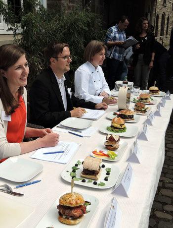 Jury verkostet 16 Burger