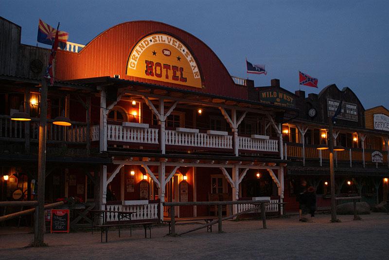 Das Grand Silver Star Hotel zur blauen Stunde