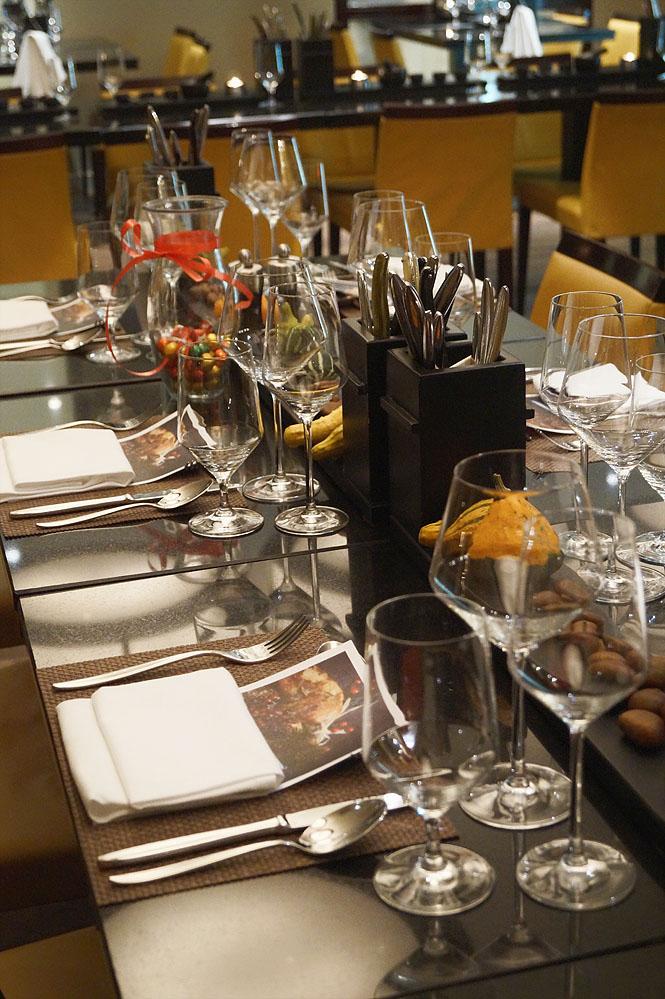 Dekorierter Tisch im restaurant 93