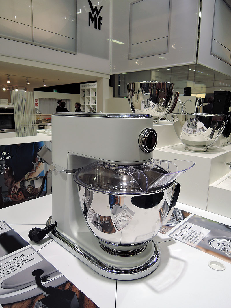 k chenmaschinen battle wmf gegen kitchen aid usa kulinarisch. Black Bedroom Furniture Sets. Home Design Ideas