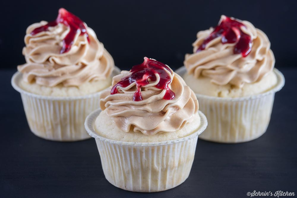 Peanut Butter and Jelly Cupcakes-3