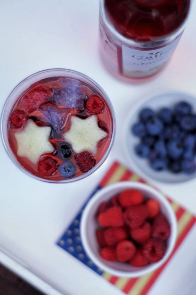 USA-Rezept für eine kalifornische Sangria aus Rosewein