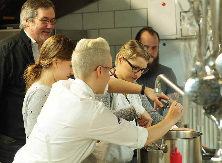 Kochkurs im Restaurant Nixon Abschmekcne