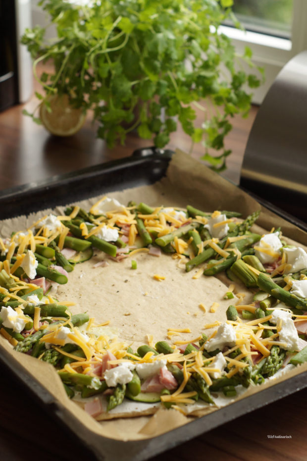 Asparagus crown with ham
