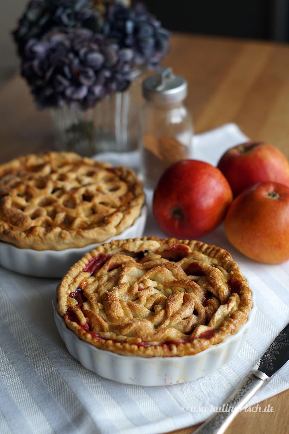 Zwei verzierte Apple Pies