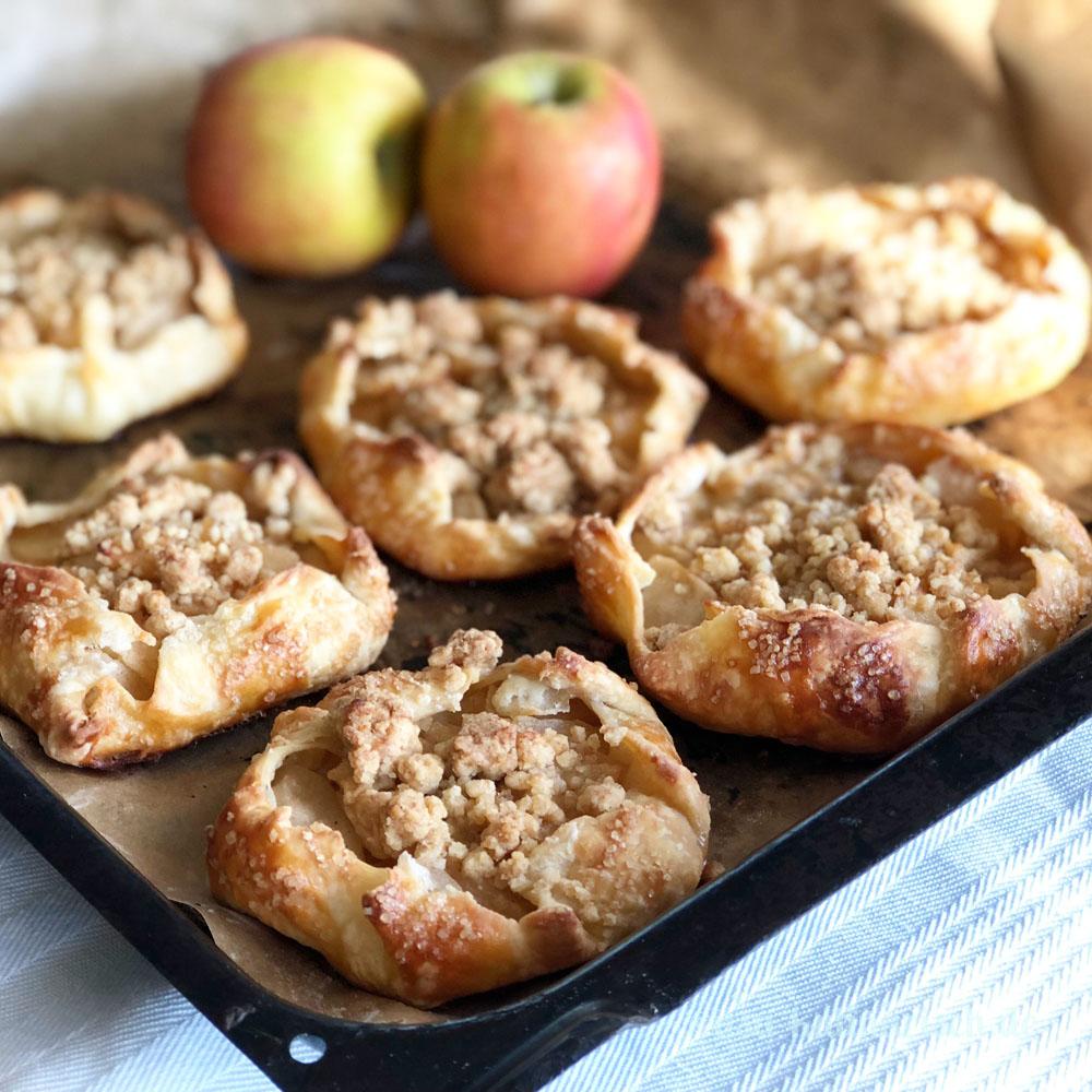 Rezept für Apple Pie Galettes / kleine Apfeltörtchen