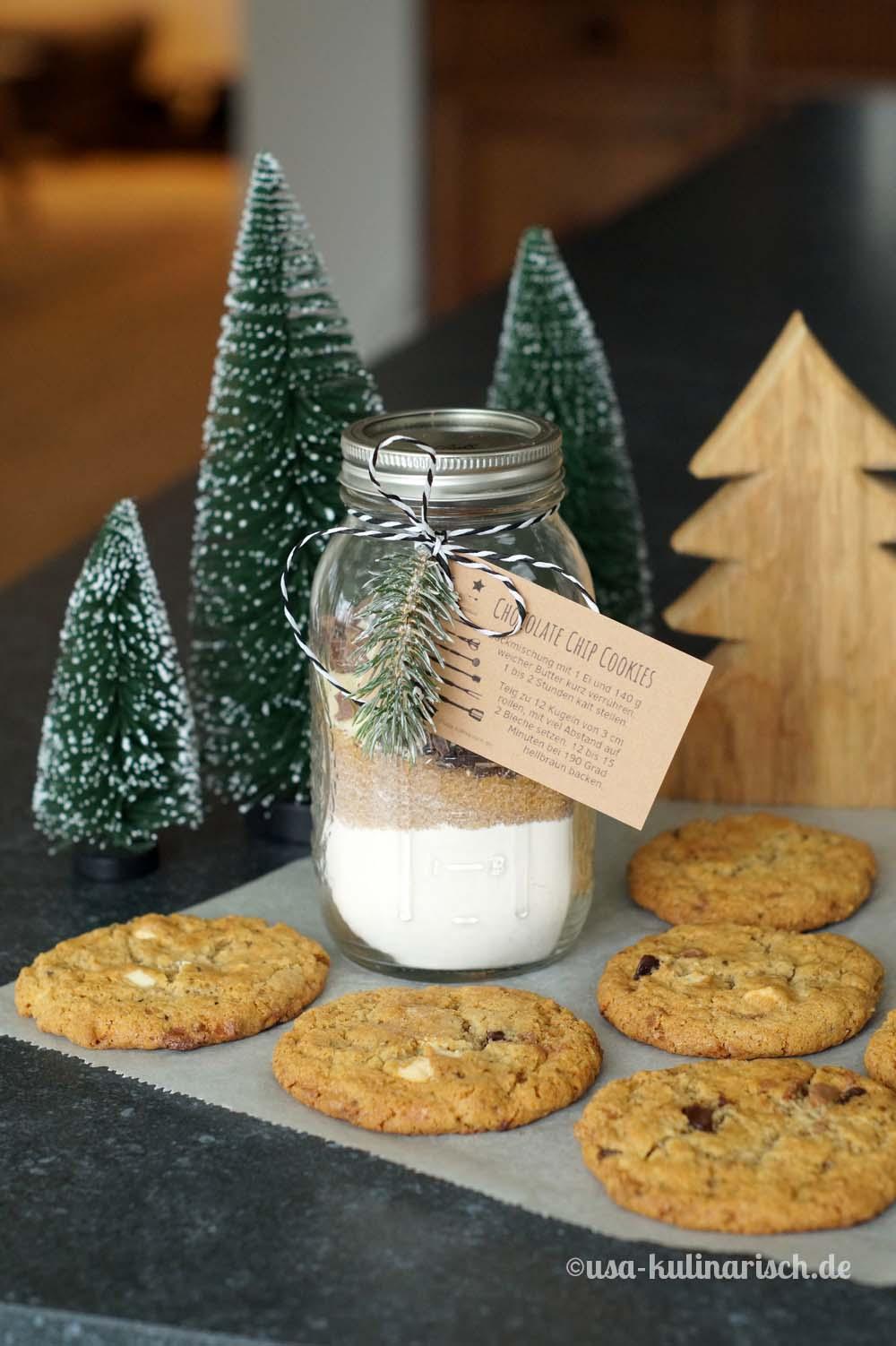 Cookiemix und fertige Kekse