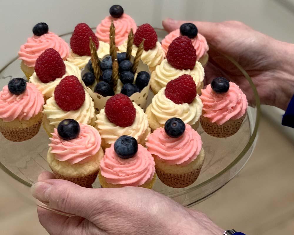 Mini-Vanila-Cupcakes zum Geburtstag