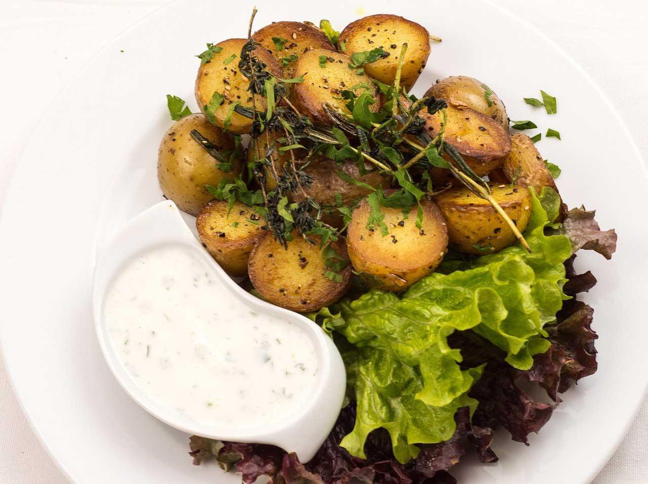 Sour Cream Dip zu Kartoffelecken