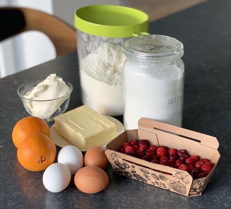 Zutaten für Orange Bundt Cake with Cranberries