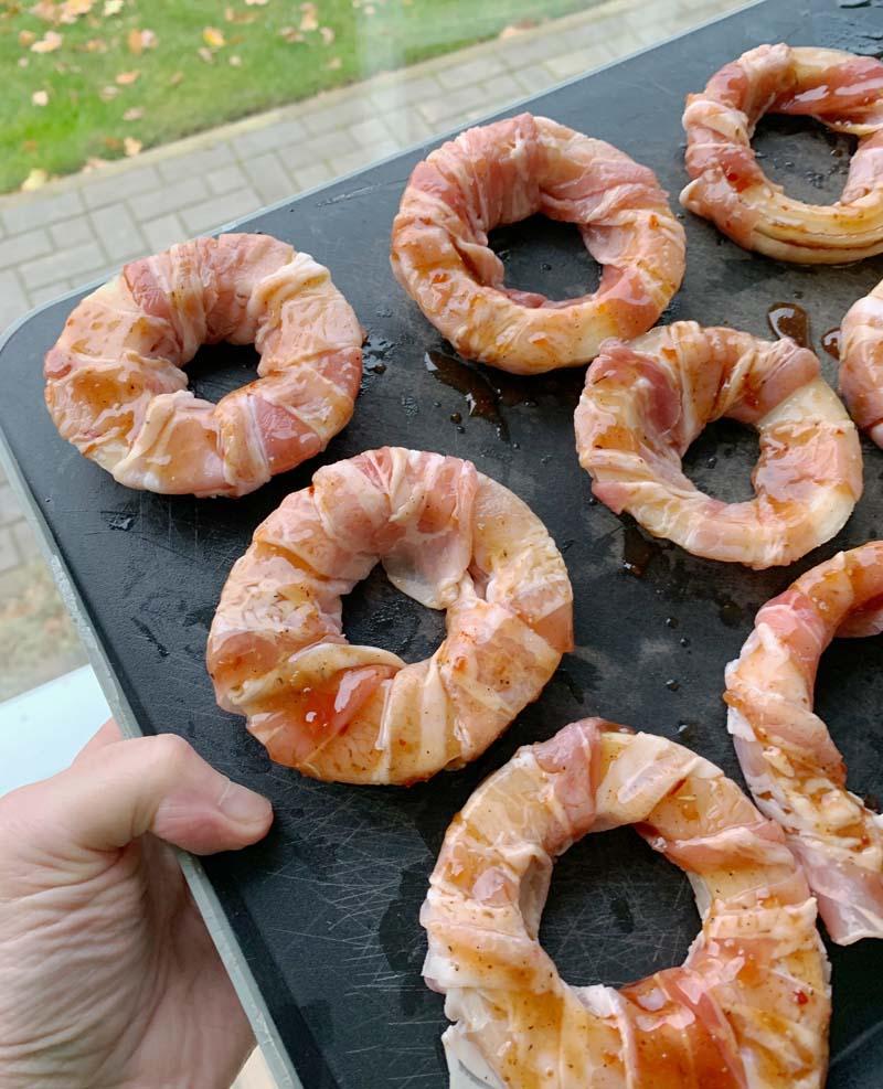 Onion Bacon Rings (Zwiebelringe mit Speck)